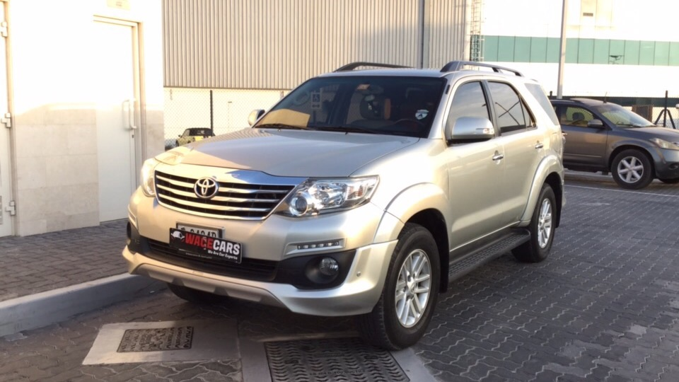 Used Toyota Fortuner 2014 for sale in Dubai