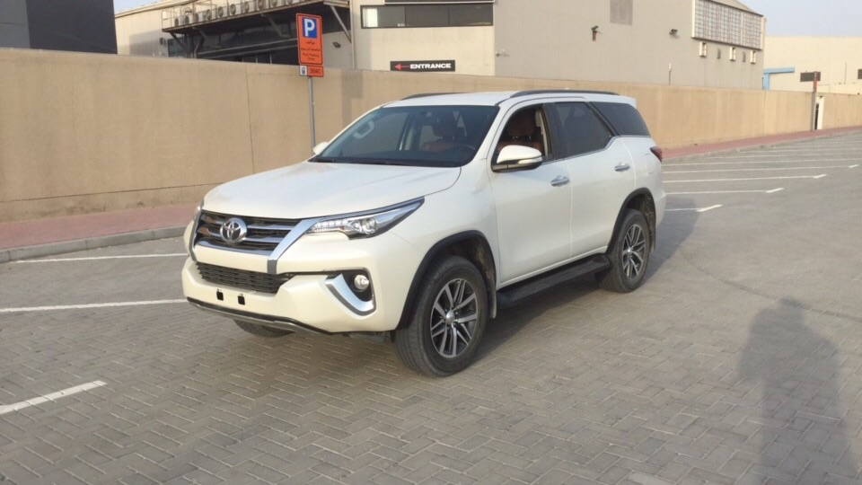 Used Toyota Fortuner 2017 for sale in Dubai