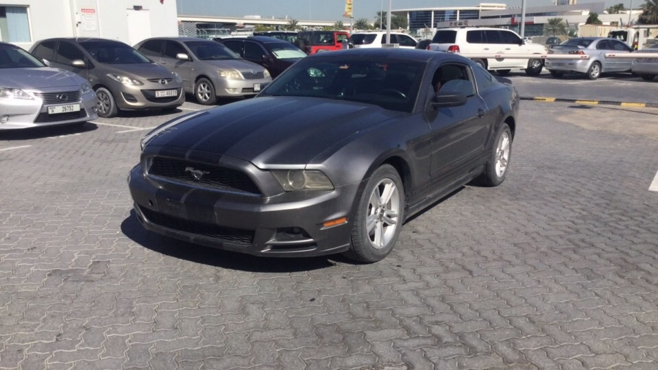 Used Ford Mustang 2014 for sale in Dubai