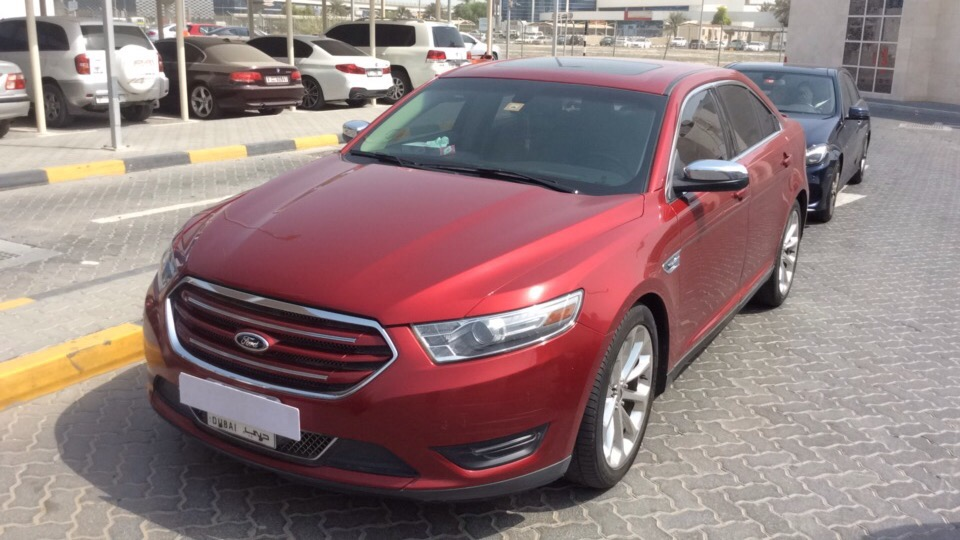 Used Ford Taurus 2013 for sale in Dubai