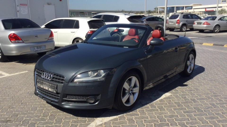 used audi tt 2 0 convertible 2009 for sale in dubai. Black Bedroom Furniture Sets. Home Design Ideas