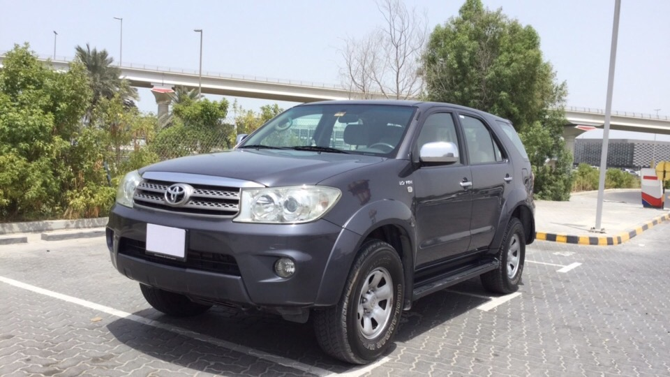Used Toyota Fortuner 2011 for sale in Dubai