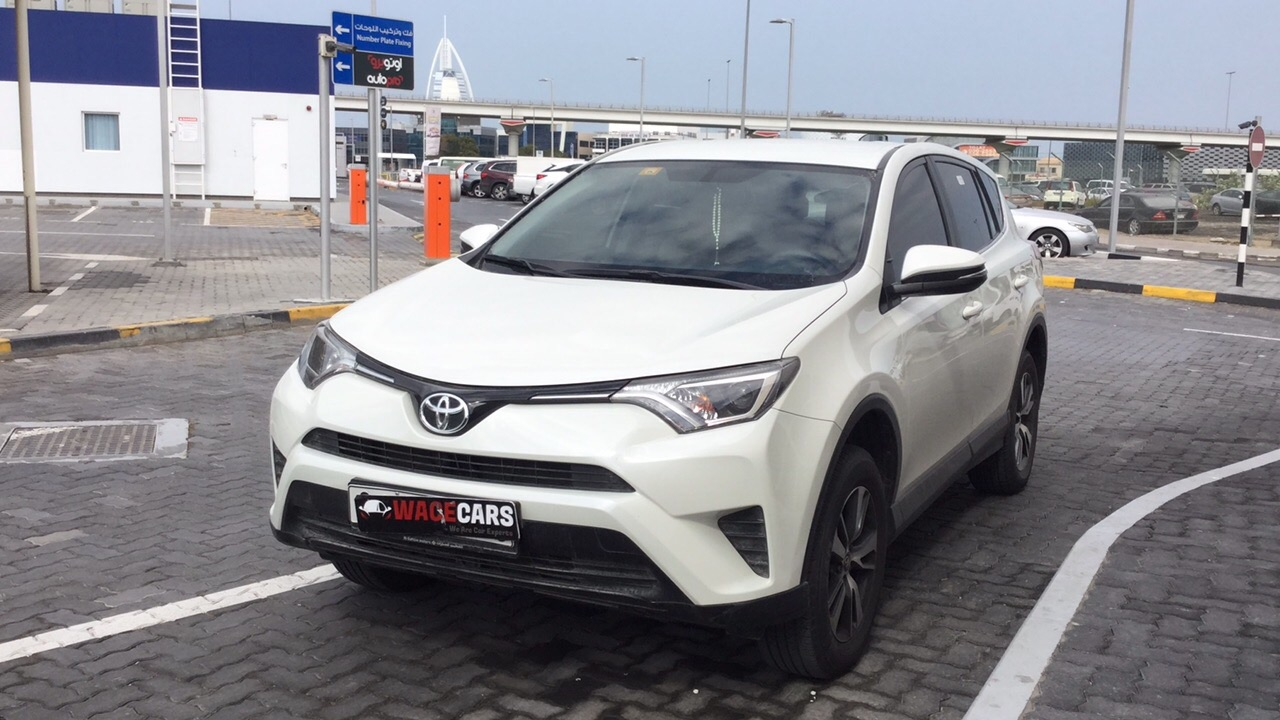 Used Toyota RAV-4 2017 for sale in Dubai