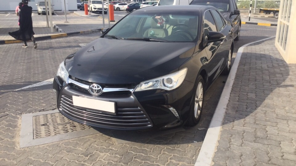 Used Toyota Camry 2017 for sale in Dubai