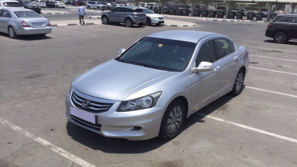 Used Honda Accord 2012 for sale in Dubai