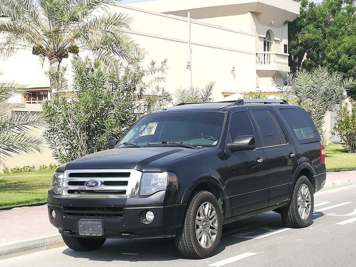 Used Ford Expedition 2013 for sale in Dubai