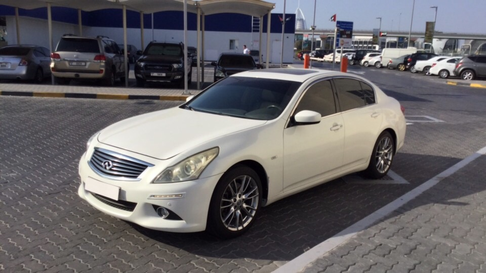 Used Infiniti G25 2014 for sale in Dubai