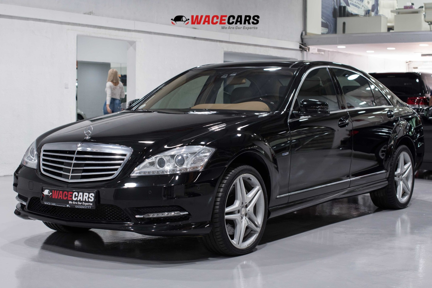 Used Mercedes-Benz S-Class 2012 for sale in Dubai