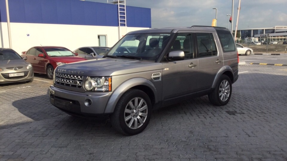 Used Land Rover LR4 2012 for sale in Dubai