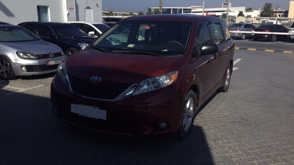 Used Toyota Sienna 2012 for sale in Dubai