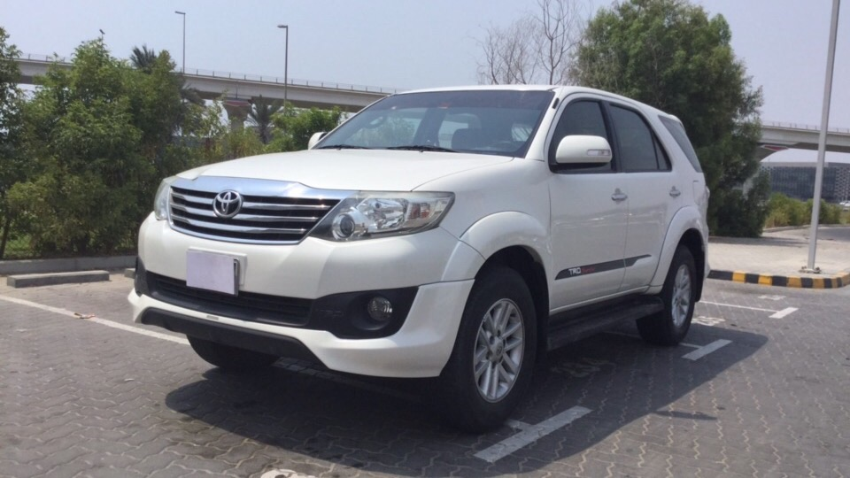 Used Toyota Fortuner 2015 for sale in Dubai