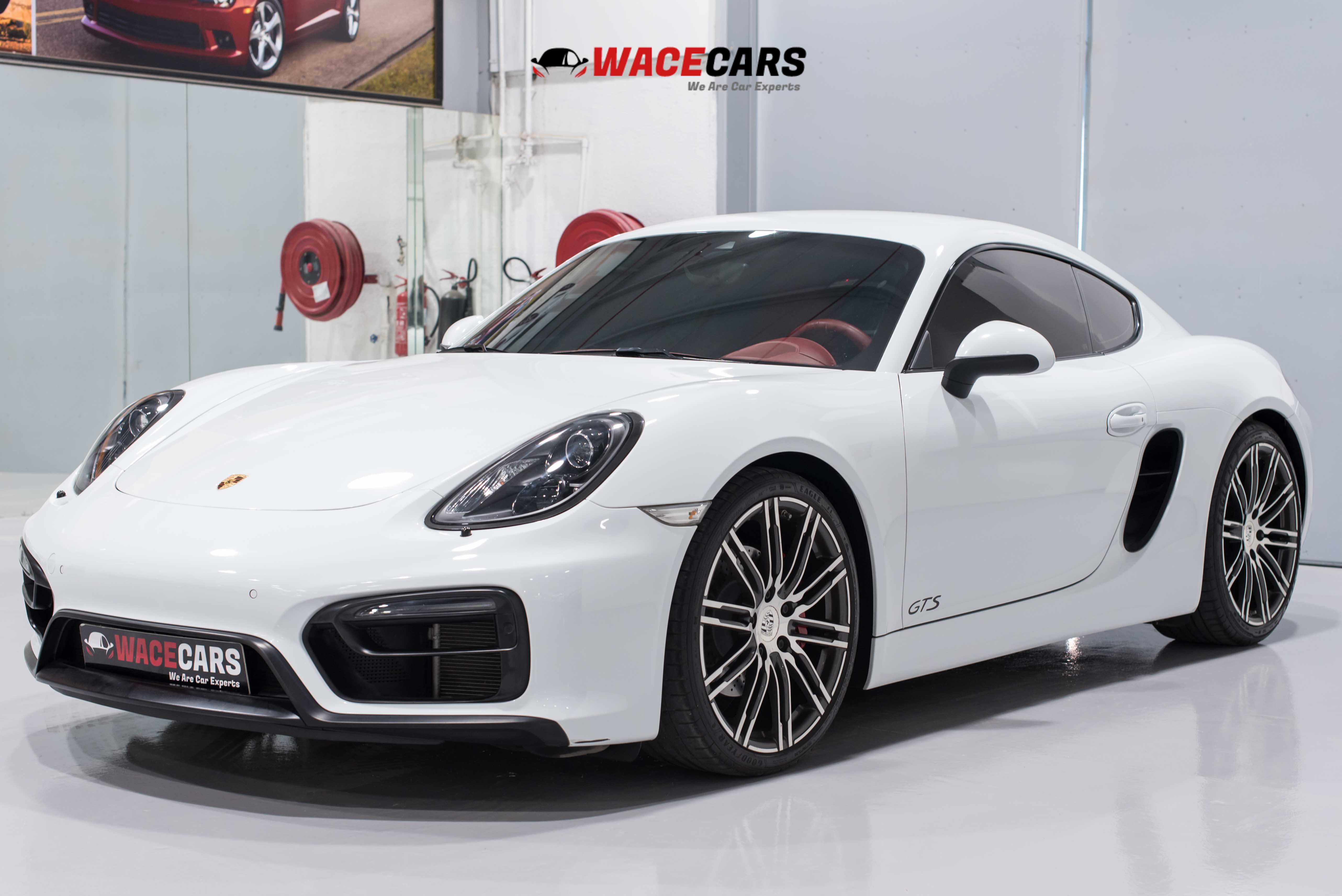Used Porsche Cayman 2016 for sale in Dubai