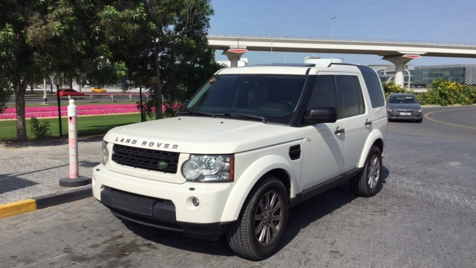 Used Land Rover LR4 2010 for sale in Dubai