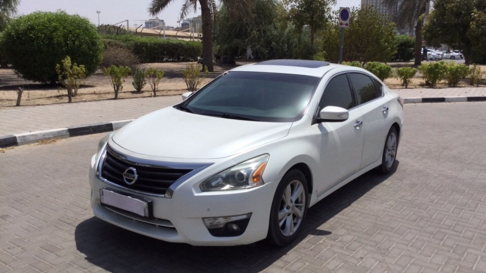 Used Nissan Altima 2014 for sale in Dubai