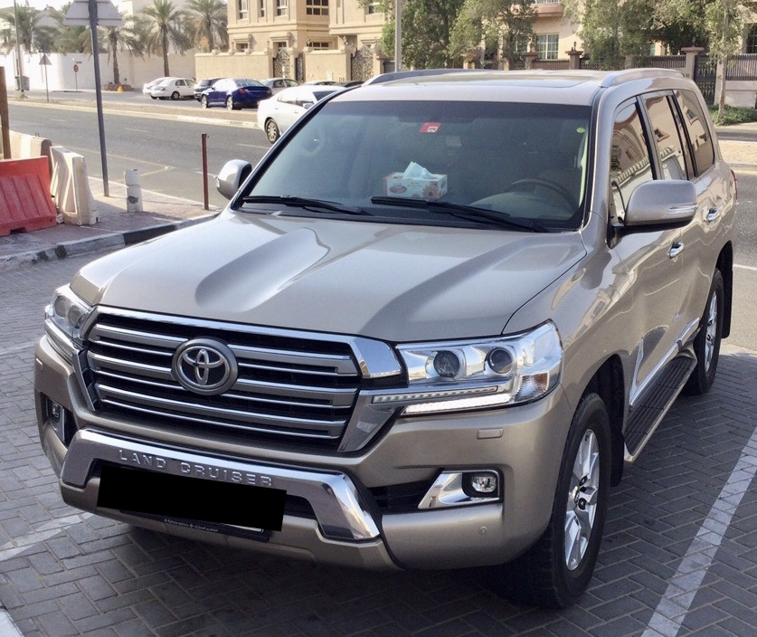 Used Toyota Land Cruiser 4.6L GXR 2017 For Sale In Dubai