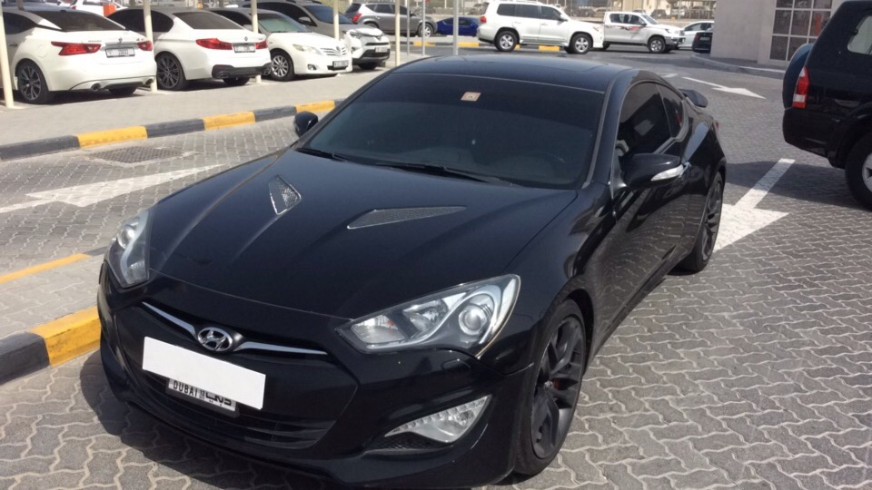 Used Hyundai Genesis 2015 for sale in Dubai