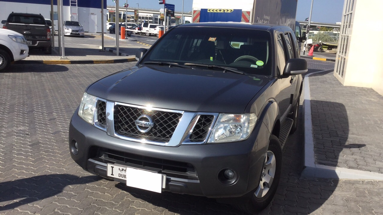Used Nissan Pathfinder 2014 for sale in Dubai